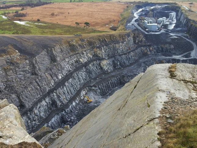ooking down into Dry Rigg Quarry from below Moughton Nab