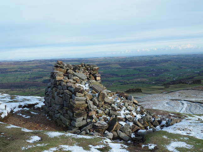 The large cairn on Penhill End which has now been fashioned into a shelter