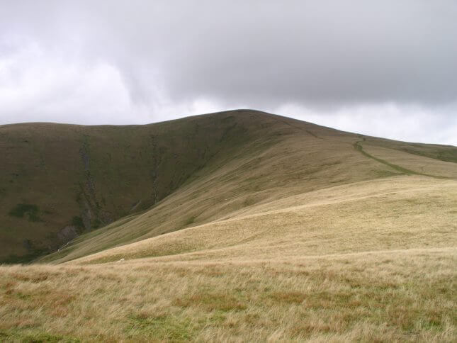 Approaching Arant Haw on the path from Winder