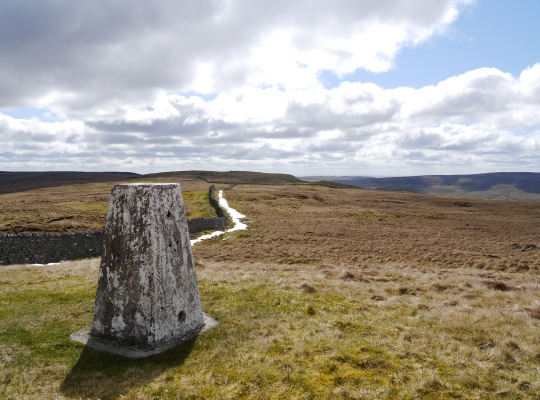 Looking south-east from the trig point to the top of Horse Head