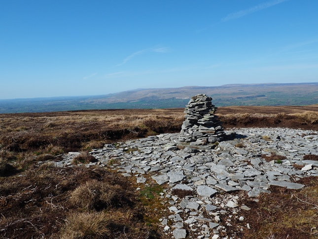 The cairn on Bleatapow Hill