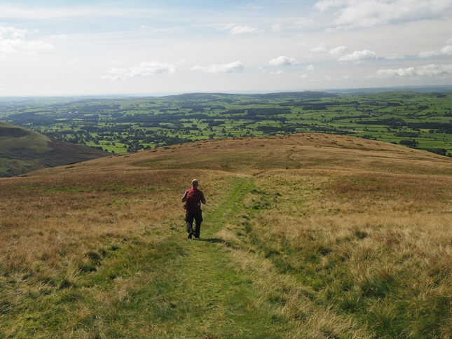 Descending to Barbon on the path from Castle Knott to Eskholme Pike
