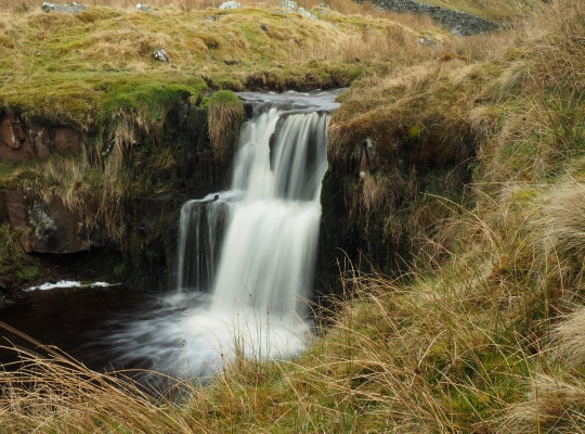 The small waterfall downstream of Water Ling Force