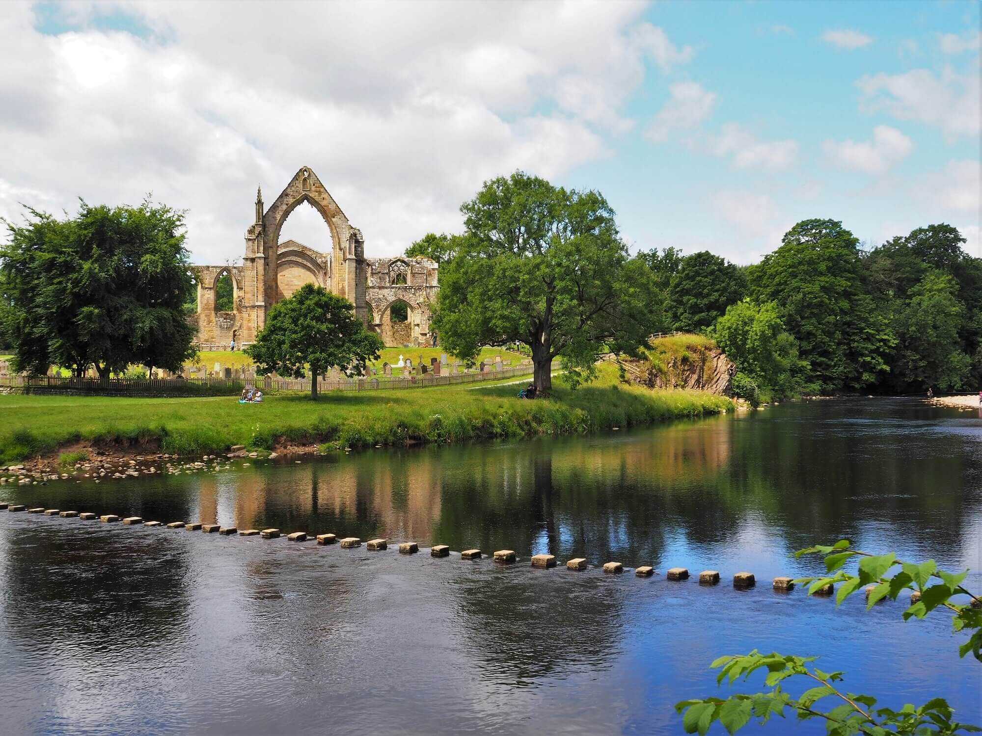 The stepping stones at Bolton Abbey