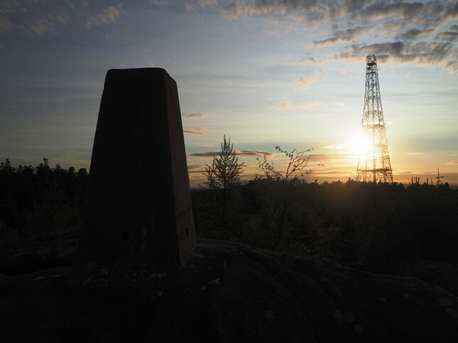 Looking towards the Norwood Edge mast on a late summer's evening