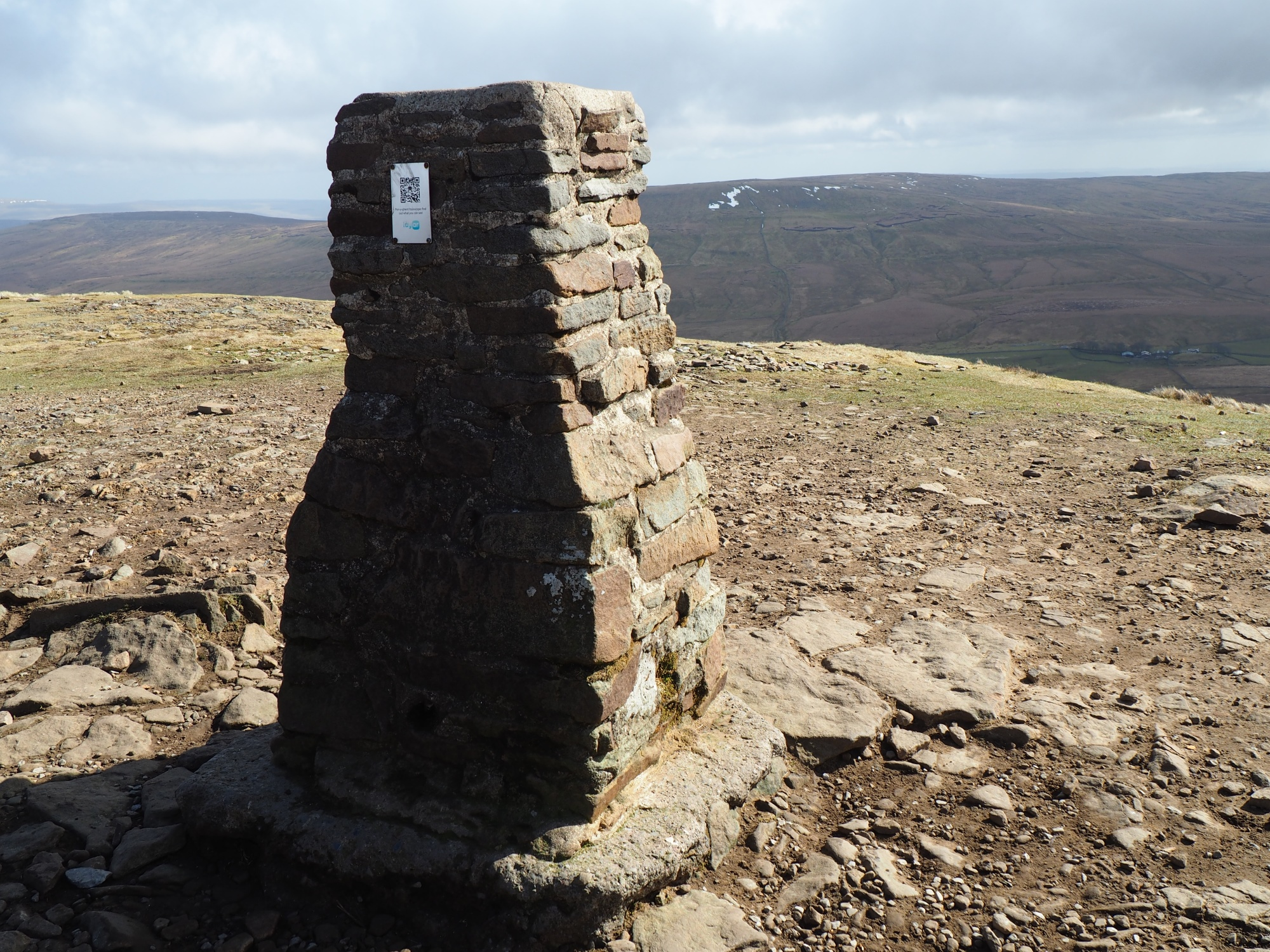 Pen-y-ghent trig point