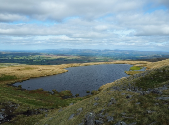The glorious view above Sand Tarn