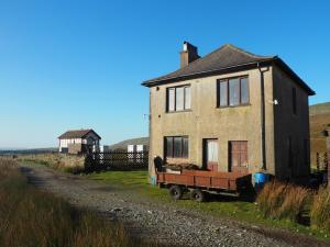 The old house just beyond the Blea Moor sidings