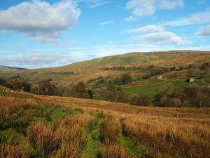 Upper Dentdale and Great Knoutberry Hill