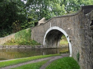 The bridge crossing the canal from Kildwick into Farnhill