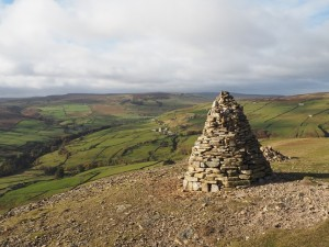 The cairn on Fell End