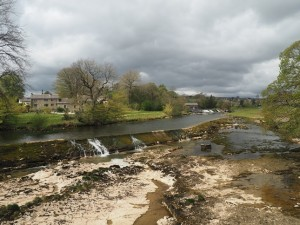 The virtually dry weir immediately above Linton Falls