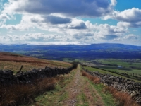 The enclosed path leading to Fell Road