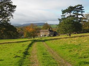 Approaching Danby Low Lodge