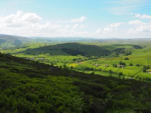 The side valley of Skyreholme