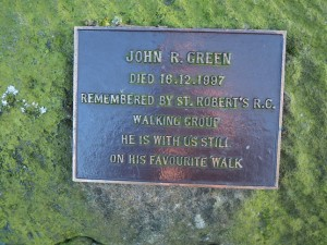 One of a number of memorial plaques fixed to benches around the reservoir