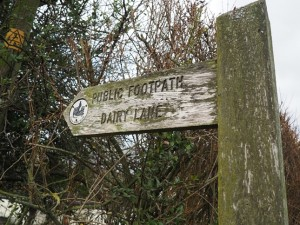 Footpath sign to Dairy Lane