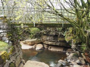 The footbridge over Stonesdale Beck