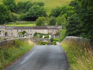The row of cottages above Isles Bridge