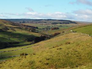 Looking up the valley towards Cam Rakes